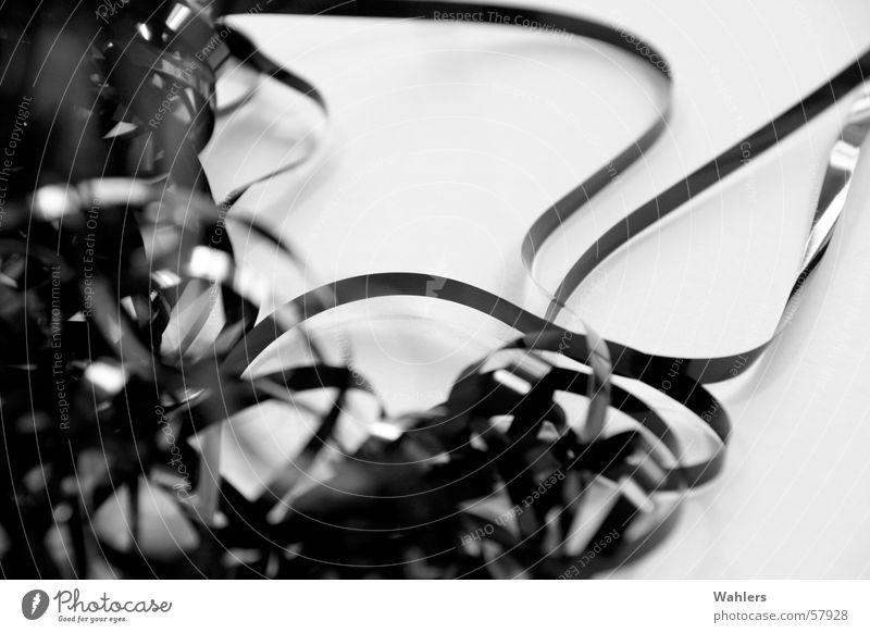 Die Gute Alte Zeit I Musikkassette schwarz weiß Grauwert stereo mono abstrakt durcheinander Wurm alternativ retro old-school Bandsalat Schnur Schwarzweißfoto
