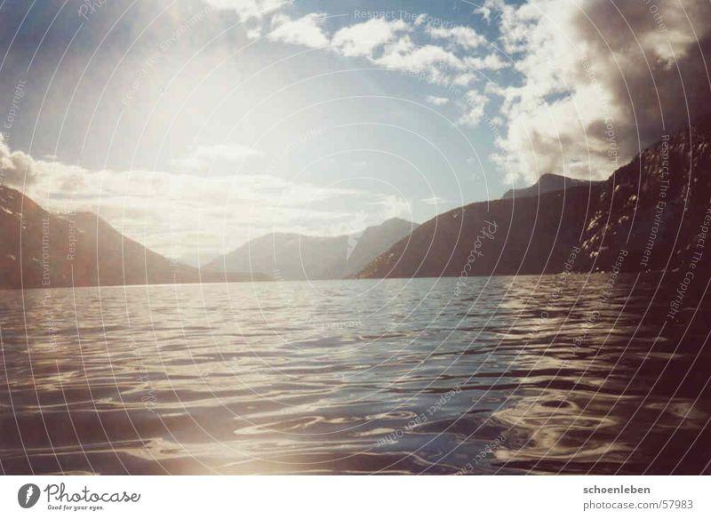 Irgendwo in Norwegen See Wolken Abenddämmerung Berge u. Gebirge Wasser Sonne