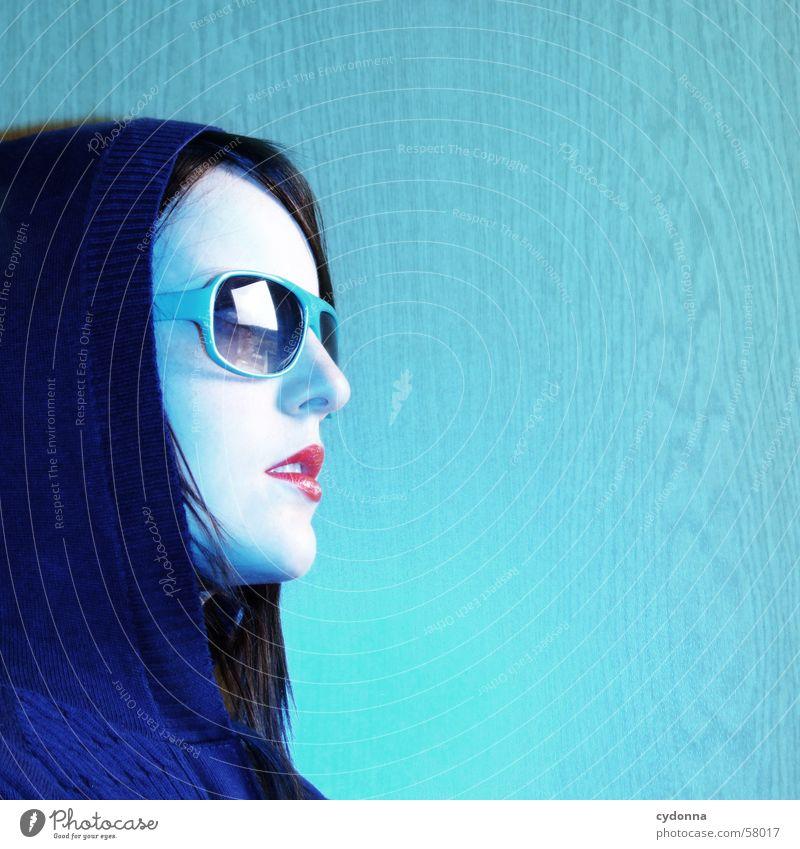 Sunglases everywhere I Frau Mensch blau Stil Haare & Frisuren Model retro Lippen Gesichtsausdruck Sonnenbrille Kapuze Photo-Shooting