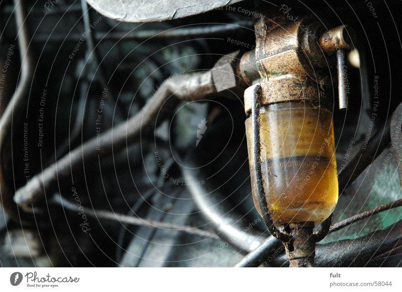 öl Ölkontrolle Schlauch Schmierstoff ölsichtfenster trekker alt Erdöl Technik & Technologie