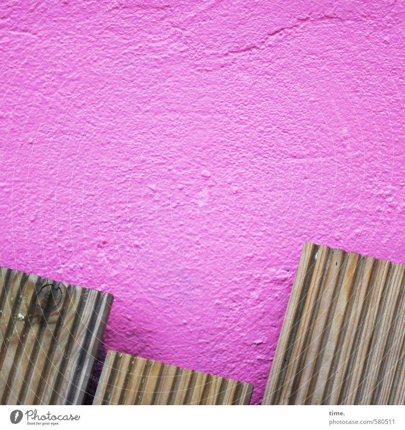 /// alt Stadt Wand Leben Mauer Holz Stein Stimmung rosa Fassade Ordnung Design Kreativität Lebensfreude kaputt Vergänglichkeit