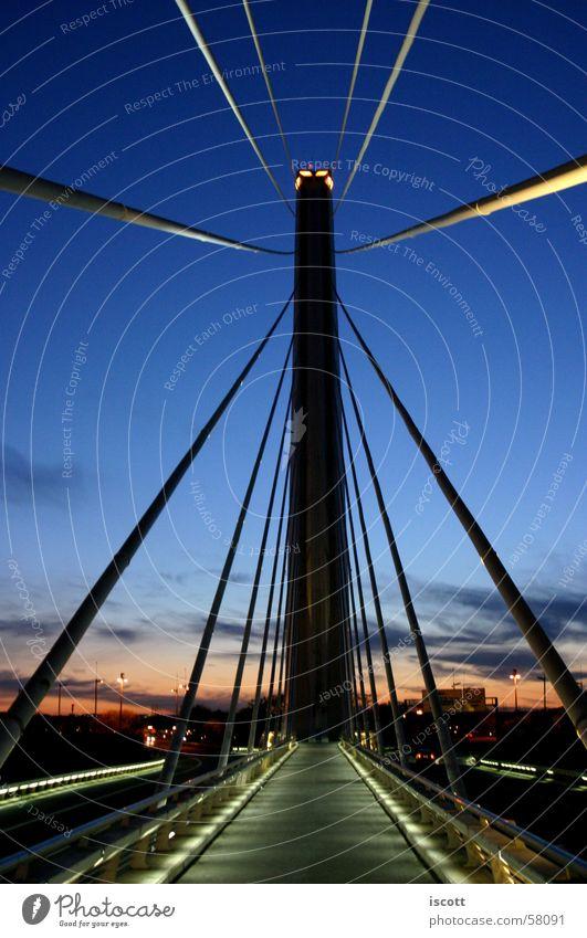 stylish bridge Himmel Brücke Bauwerk Architektur Denkmal Straße hoch Spanien Sonnenaufgang Sonnenuntergang Farbfoto Außenaufnahme Menschenleer Morgen