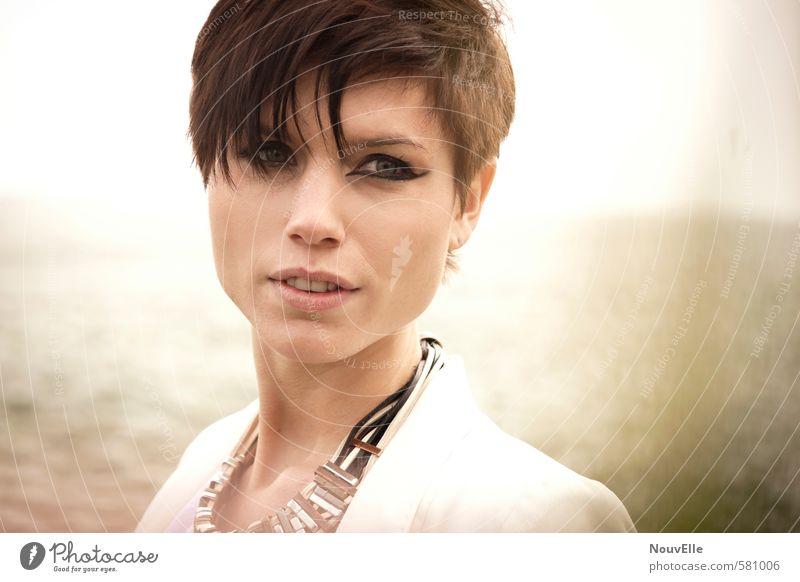 Wild Open Space. Mensch Frau Jugendliche schön Junge Frau 18-30 Jahre Gesicht Erwachsene Gefühle feminin Haare & Frisuren Mode Kraft Erfolg authentisch Coolness