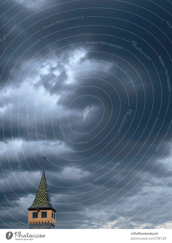 Wolkenbrecher Himmel Wolken Stimmung leer Turm Spitze Lücke