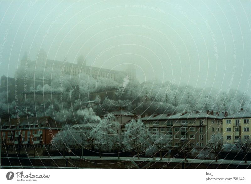 festung Festung Marienberg Würzburg Winter kalt Mainviertel Nebel frühs Wintermorgen Eis Schnee