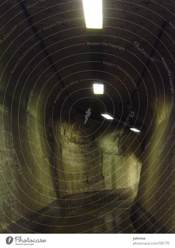 ...tunnelblick Einsamkeit dunkel hell Industriefotografie lang Tunnel