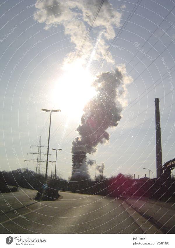 ...licht im pott Ruhrgebiet Rauch Industriefotografie Sonne Straße Schornstein