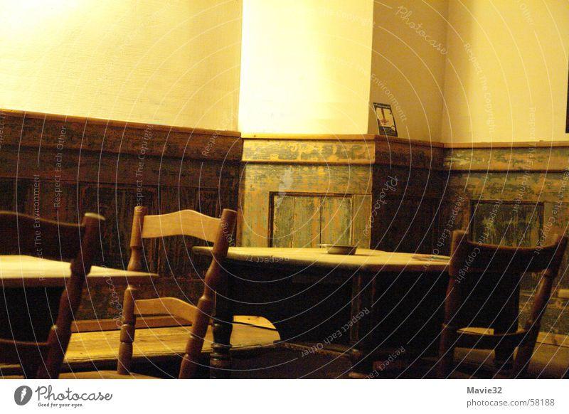Leerer Raum ruhig Lokal Gastronomie Tisch leerer raum Kneipe Stuhl