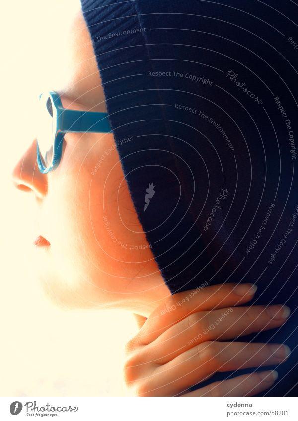 Sunglases everywhere VII Frau Mensch Hand Gesicht Stil Haut Lippen Reihe Gesichtsausdruck Sonnenbrille Kapuze Lippenstift