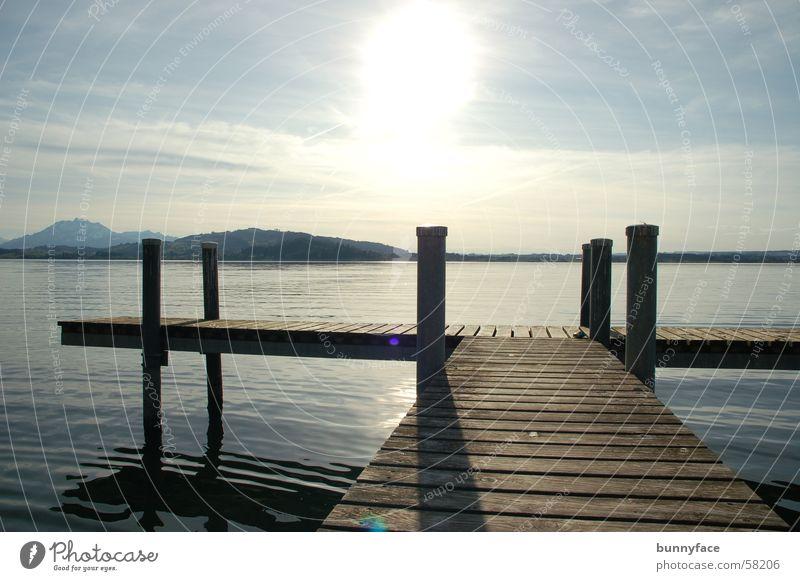 die stille am see See Zugersee Aussicht ruhig genießen Steg Romantik träumen Hoffnung Wunsch Einsamkeit Pause Sonnenuntergang Abenddämmerung Wasser blau Blick