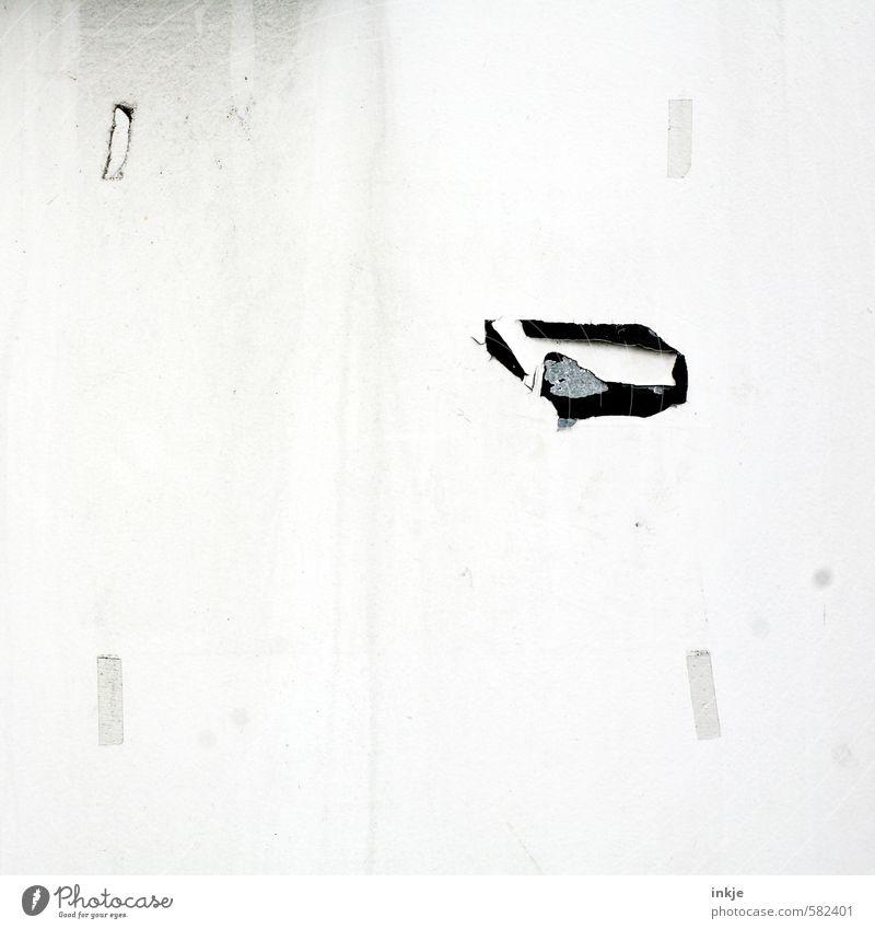 Textfreiraum für Werbezwecke Menschenleer Mauer Wand Fassade alt einfach hell kaputt trist Idee Inspiration Vergangenheit Vergänglichkeit ausdruckslos Rest