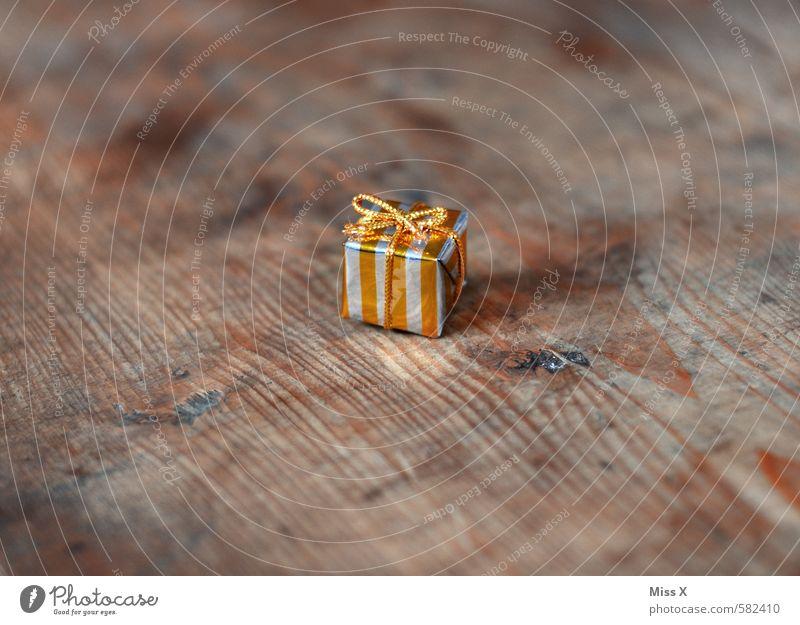 Kleines Präsent Reichtum Feste & Feiern Valentinstag Muttertag Weihnachten & Advent Geburtstag klein gold Stimmung Vorfreude Geschenk Überraschung Paket Holz