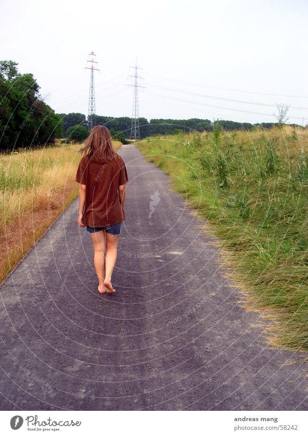 The long road Fußweg Feld Einsamkeit lang Frau Asphalt Straße laufen walk field lonely alone woman