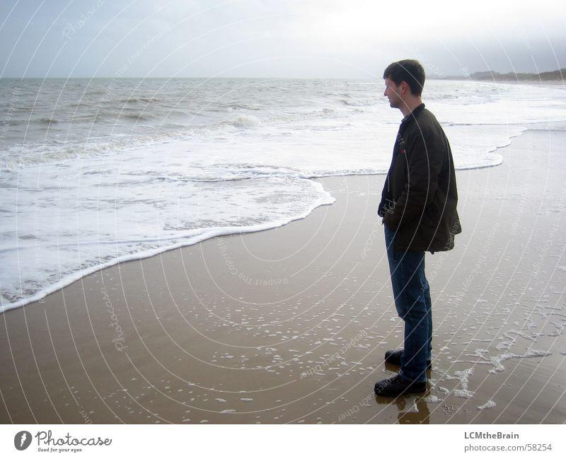 Strand in Irland Natur Meer Wolken dunkel Traurigkeit Denken Landschaft Europa trist Romantik Gastronomie Sehnsucht Republik Irland besinnlich Feldaufnahme