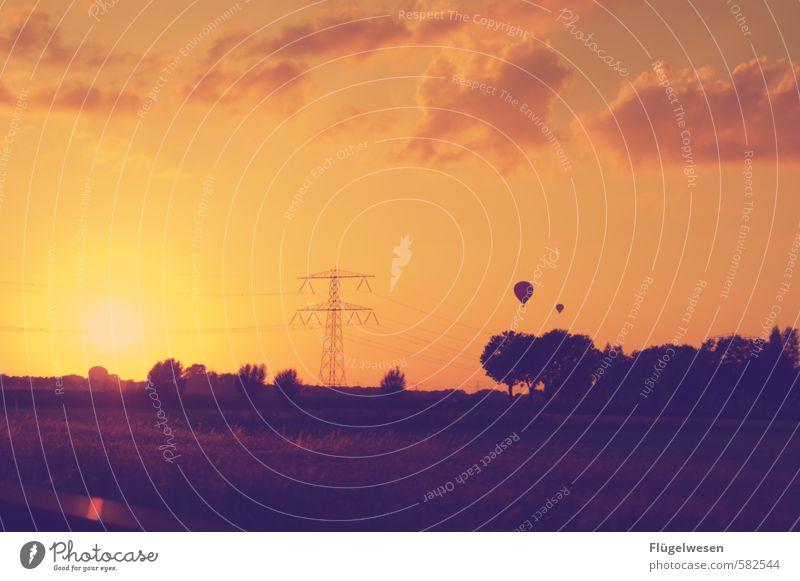 den Ferien & Urlaub & Reisen Tourismus Ausflug Abenteuer Ferne Freiheit Sonne Sonnenaufgang Sonnenuntergang Sonnenlicht fliegen Ballone Luftballon Ballonfahrt