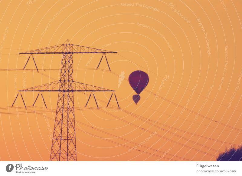 muß die Himmel Ferien & Urlaub & Reisen Sommer Ferne Freiheit fliegen Tourismus Ausflug Elektrizität Abenteuer Luftballon Schweben Abheben Ballone Strommast
