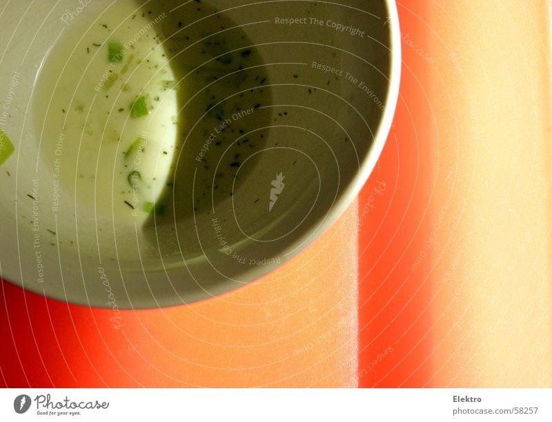 Bildnummer 11873 Schatten Saucen Salatbeilage Dressing Öl Essig Kräuter & Gewürze aufgegessen Teller Gemüse Küche Schalen & Schüsseln french dressing