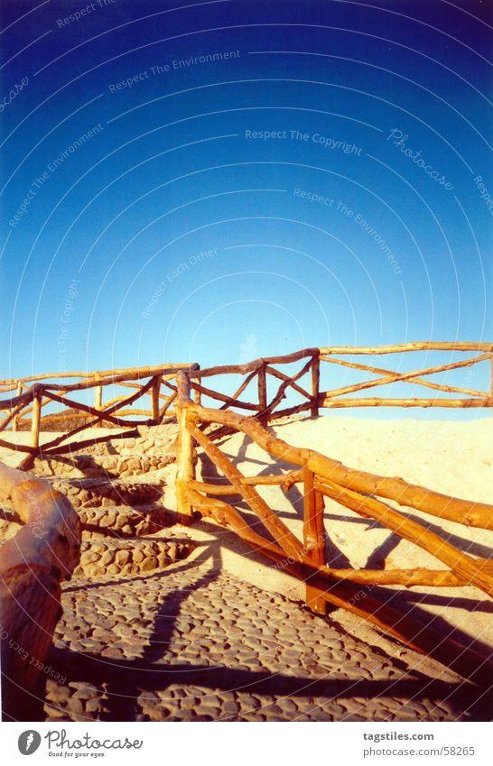 Treppe ins Blau - Ägypten, Hurghada Sonne Meer blau rot Sommer Freude Strand Ferien & Urlaub & Reisen ruhig Haus Ferne Erholung Holz träumen Wärme