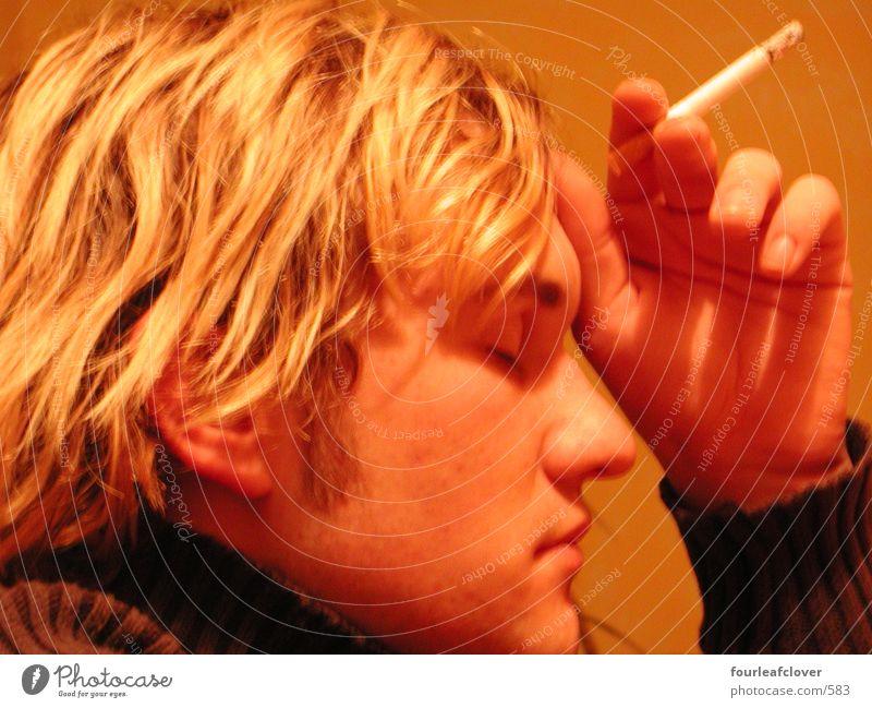 rauchend02 Porträt Rauchen Zigarette Mensch Gesicht