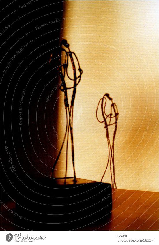 """""""Die Liebenden"""" Frau Mann Glück Wärme Kunst Freundschaft Zusammensein Frieden berühren Küssen Statue Ewigkeit eng harmonisch Umarmen"""