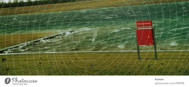 RETTE MICH Natur Wasser grün blau Strand Blatt dunkel kalt Wiese See Wellen Wind München Klarheit Sturm