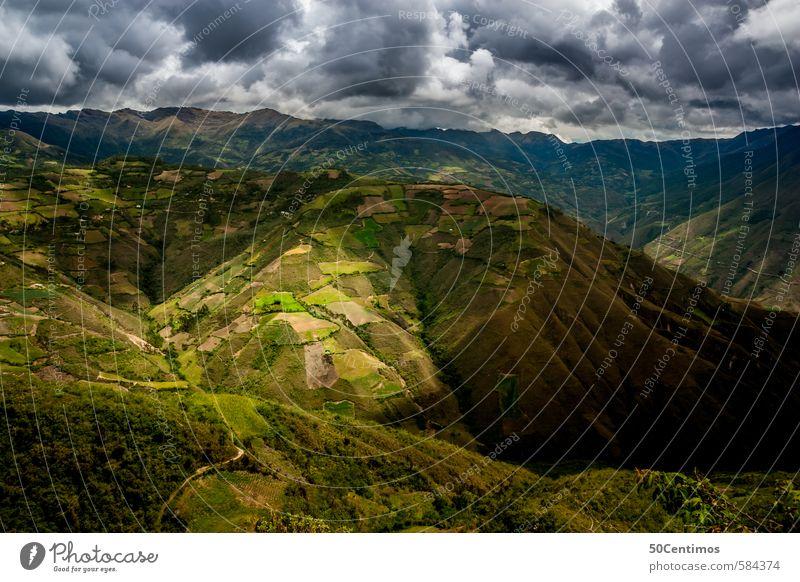 Gewitter über grünen Bergen Himmel Natur Sommer ruhig Ferne Berge u. Gebirge Wiese Freiheit Klima Tourismus Sträucher Abenteuer Unendlichkeit Alpen Unwetter