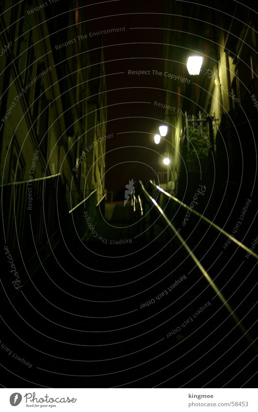 Paris bei Nacht Gasse dunkel aufsteigen Verkehrswege historisch Treppe Stadt Straße