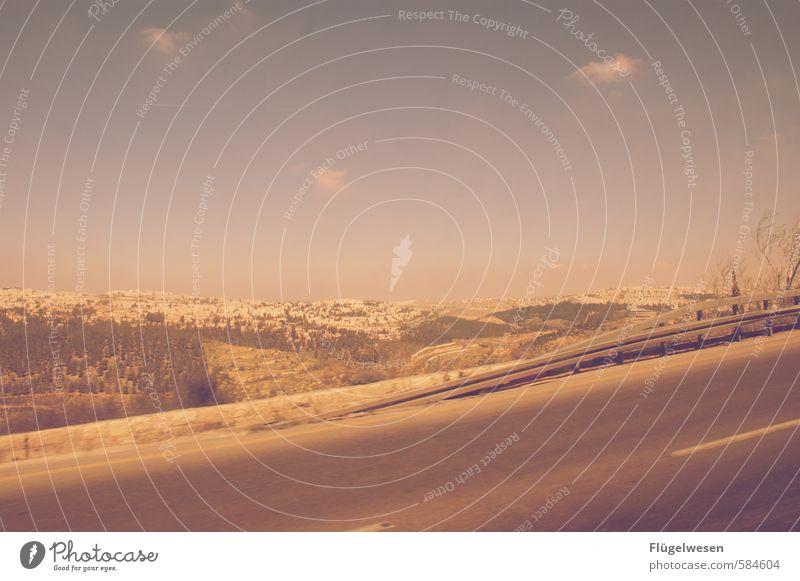 Land unter Beschuss Ferne Verkehrswege Israel Naher und Mittlerer Osten Jerusalem Judentum Farbfoto Außenaufnahme Tag Sonnenlicht West Bank Landstraße Hügel