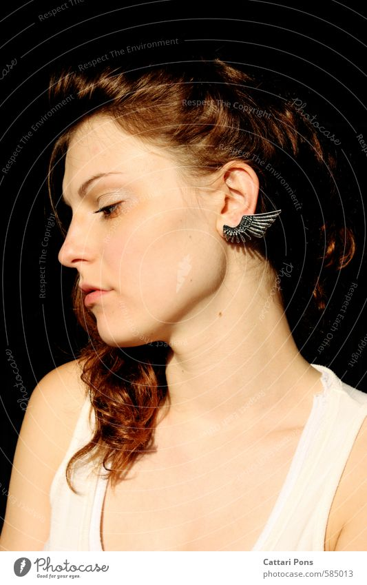 Helena schön Haut Gesicht Mensch feminin Junge Frau Jugendliche Erwachsene 1 18-30 Jahre Accessoire Schmuck Ohrringe brünett langhaarig Locken träumen