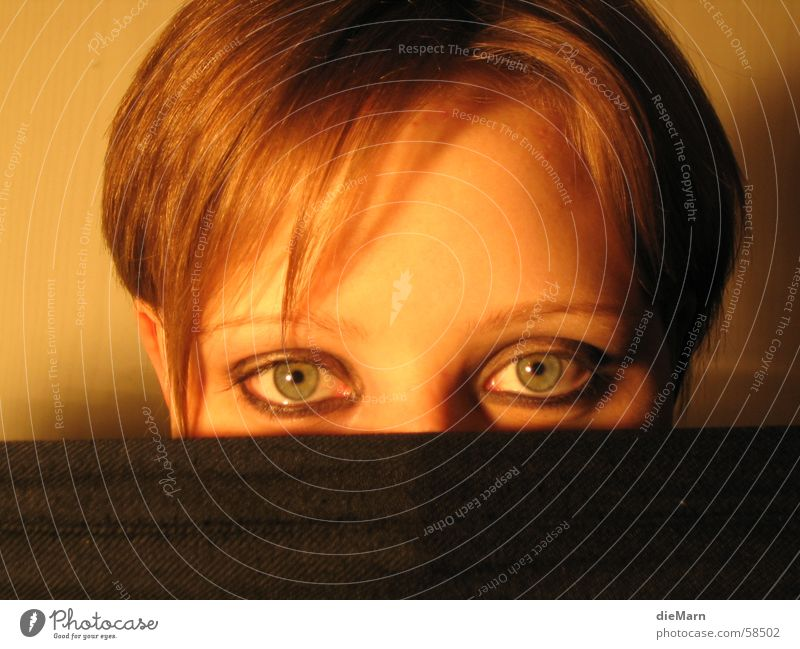 blick in.... Gesicht Auge Haare & Frisuren Kopf Tuch verdeckt Stoff geschminkt