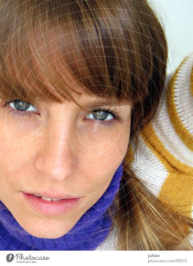 Maja de Bei II Porträt Streifen gelb violett Denken Mensch gestreift Auge Glück Gesicht