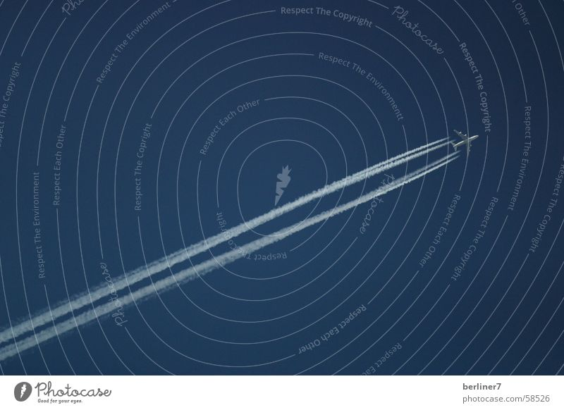 Himmelblau Ferien & Urlaub & Reisen Ferne fliegen Geschwindigkeit Schönes Wetter Kondensstreifen
