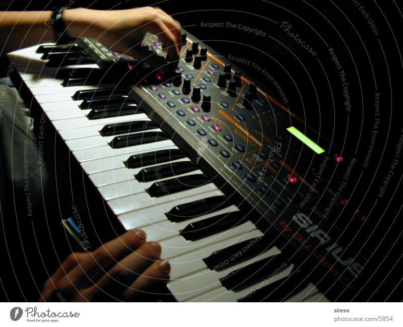 musikmacher Synthesizer drehen Knöpfe elektronisch Entertainment sirius Musik Musikinstrument