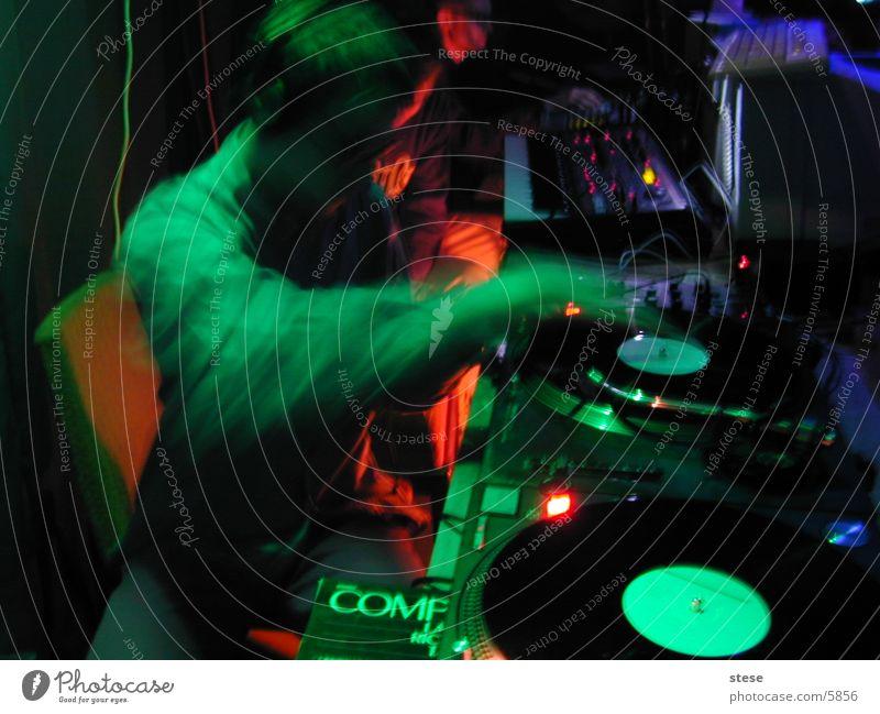 partypeople Party Musik Club Diskjockey Schallplatte Plattenspieler
