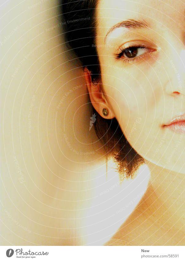 Faraway Sehnsucht Licht Porträt Frau ruhig Gesicht Auge Blick Mensch