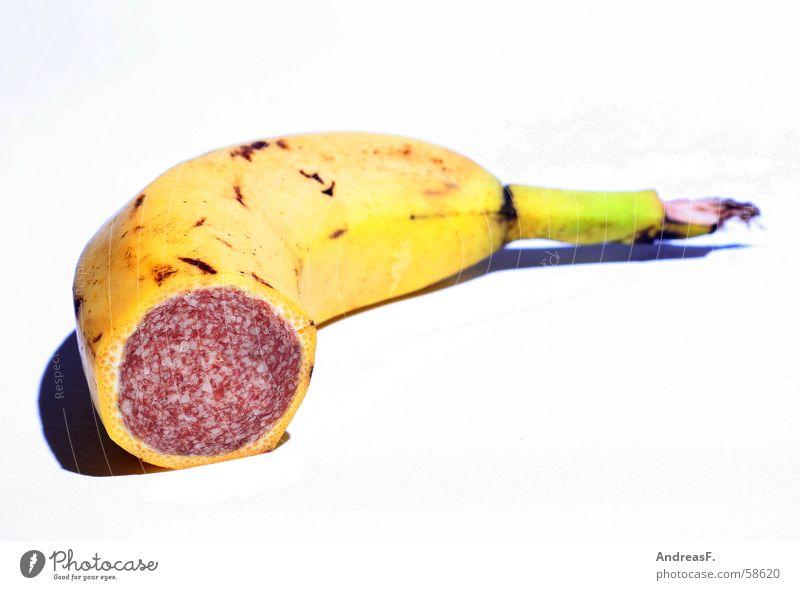 Banami Tofu Trick Banane Salami Wurstwaren Stillleben Montage gelb Fleisch Manipulation Genmanipulation lecker Geschmackssinn Collage Ernährung Wurstpelle