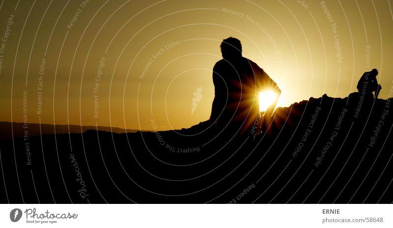 Achselsonne^^ Chile Ferien & Urlaub & Reisen Mann Sonnenuntergang schwarz Licht Denken Berge u. Gebirge Schatten hell