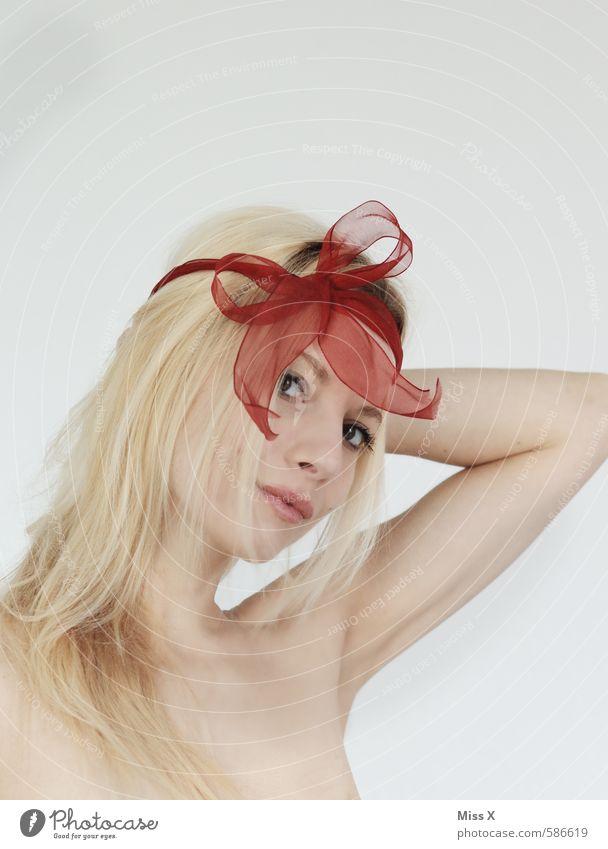 Schleife Mensch Jugendliche schön Junge Frau 18-30 Jahre Weiblicher Akt Gesicht Erwachsene Erotik feminin Haare & Frisuren Feste & Feiern blond