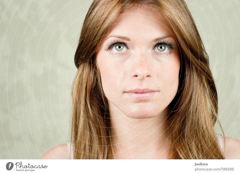 #586686 schön Gesicht Gesundheit Wellness Leben Wohlgefühl Zufriedenheit Erholung Frau Erwachsene 1 Mensch 18-30 Jahre Jugendliche brünett langhaarig beobachten