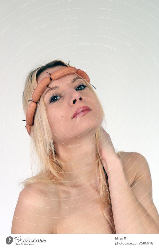 !trash! 2013 | Wurst-Königin 2013 Mensch Jugendliche schön Junge Frau 18-30 Jahre Erwachsene feminin lustig Haare & Frisuren Kopf Mode Lebensmittel blond