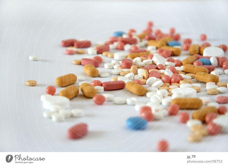 Omas besten - die gehen ans Herz! blau weiß gelb Gesundheit braun rosa mehrere Gesundheitswesen viele Medikament Tod Sucht Haufen Tablette Pharmazie Überdosis