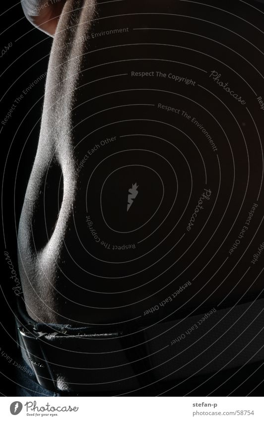 Bellybutton Bauchnabel Licht nackt Frau Akt Erotik feminin Frauenkörper