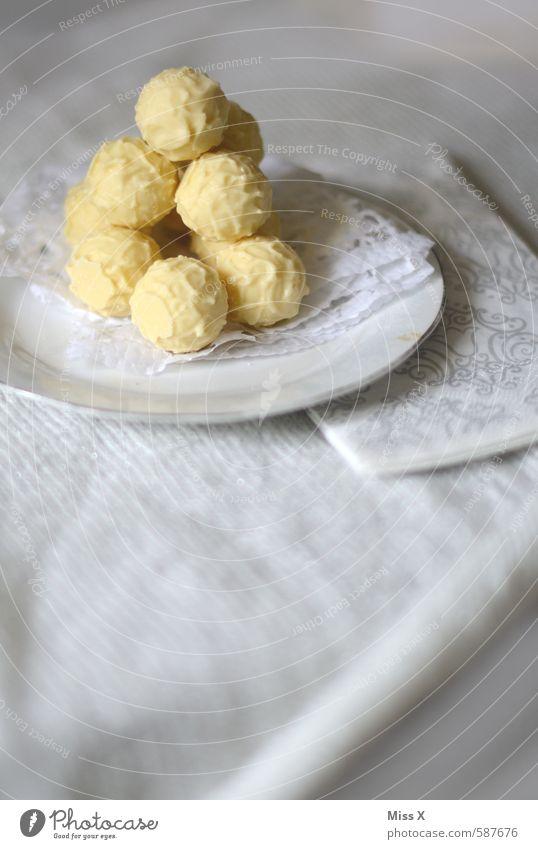 Wichtelgeschenk weiß Essen klein Feste & Feiern Lebensmittel Ernährung Tisch Kochen & Garen & Backen süß rund Turm lecker Süßwaren Reichtum Dessert Teller