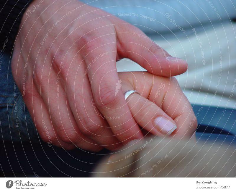 handsnhearts Hand Liebe Paar Kreis paarweise festhalten Partnerschaft