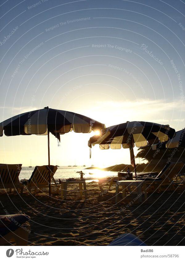 Sonnenschirm Meer Strand Sonnenuntergang Abend