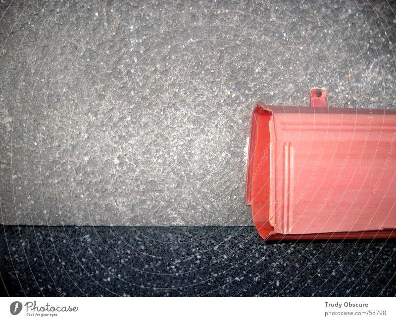 Trrrmmer weiß rot schwarz Haus dunkel Wand grau Stein Mauer hell rosa Hintergrundbild Bodenbelag Zeitung Werbung Post