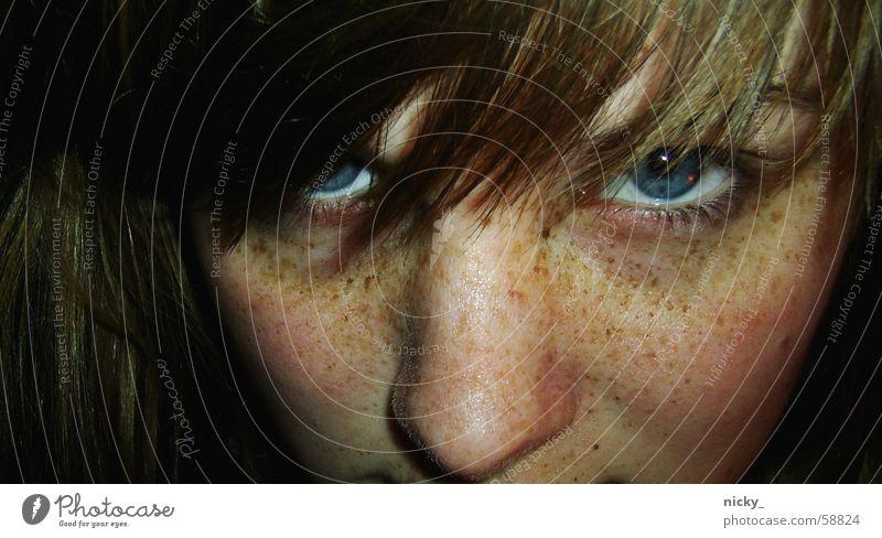 miaaaauuu Frau blau Gesicht Auge Haare & Frisuren Katze Sommersprossen frech Pony Thusnelda selten