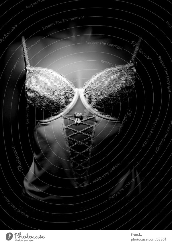 Hemd Frau BH Wäsche Torso Schaufenster Schaufensterpuppe Dekoration & Verzierung dunkel Bekleidung Reichtum Spitze dessou dekolte Frauenbrust Unterhose Puppe