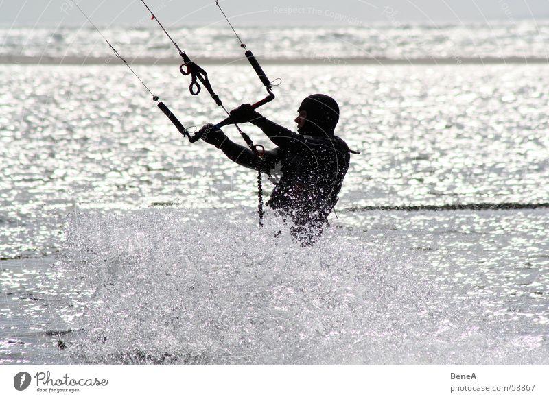 Kite-Boarden Mensch Wasser Sonne Meer Freude Ferien & Urlaub & Reisen Sport Erholung Bewegung Freiheit Glück Küste Wassertropfen nass Seil Freizeit & Hobby