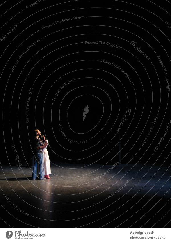 Umarmung Bühne Licht Umarmen verträumt 2 Theaterschauspiel Schatten Mensch
